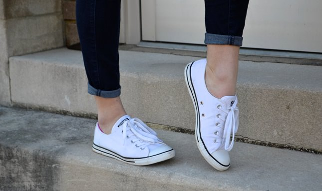 How to Clean White Converse Shoes?